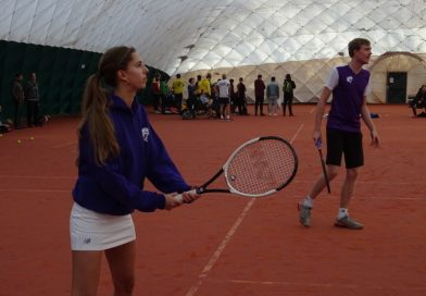 Tennis, feesten en partijen tijdens NK-minitennis